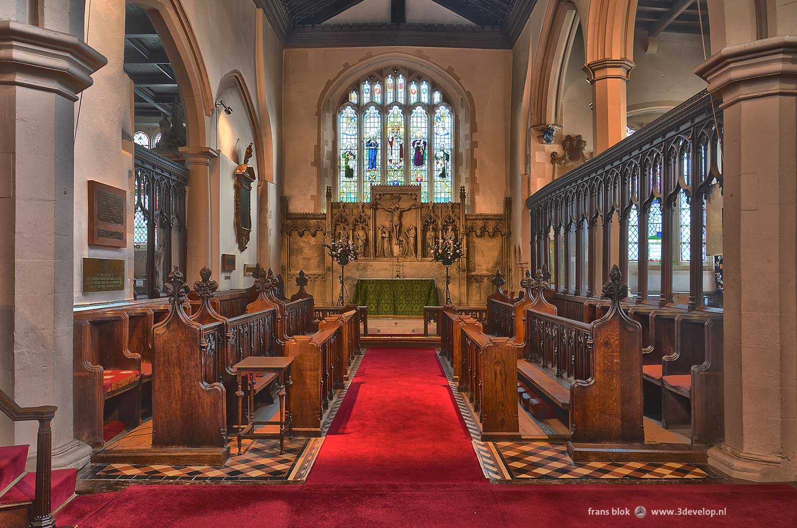 Watford St.Mary's church - existing interior: chancel area