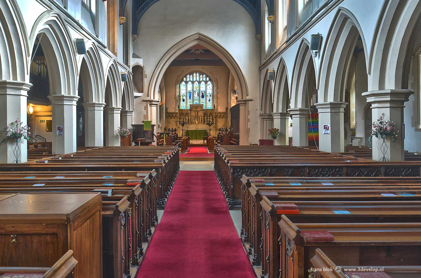 Watford St.Mary's church - interior seen from church entrance