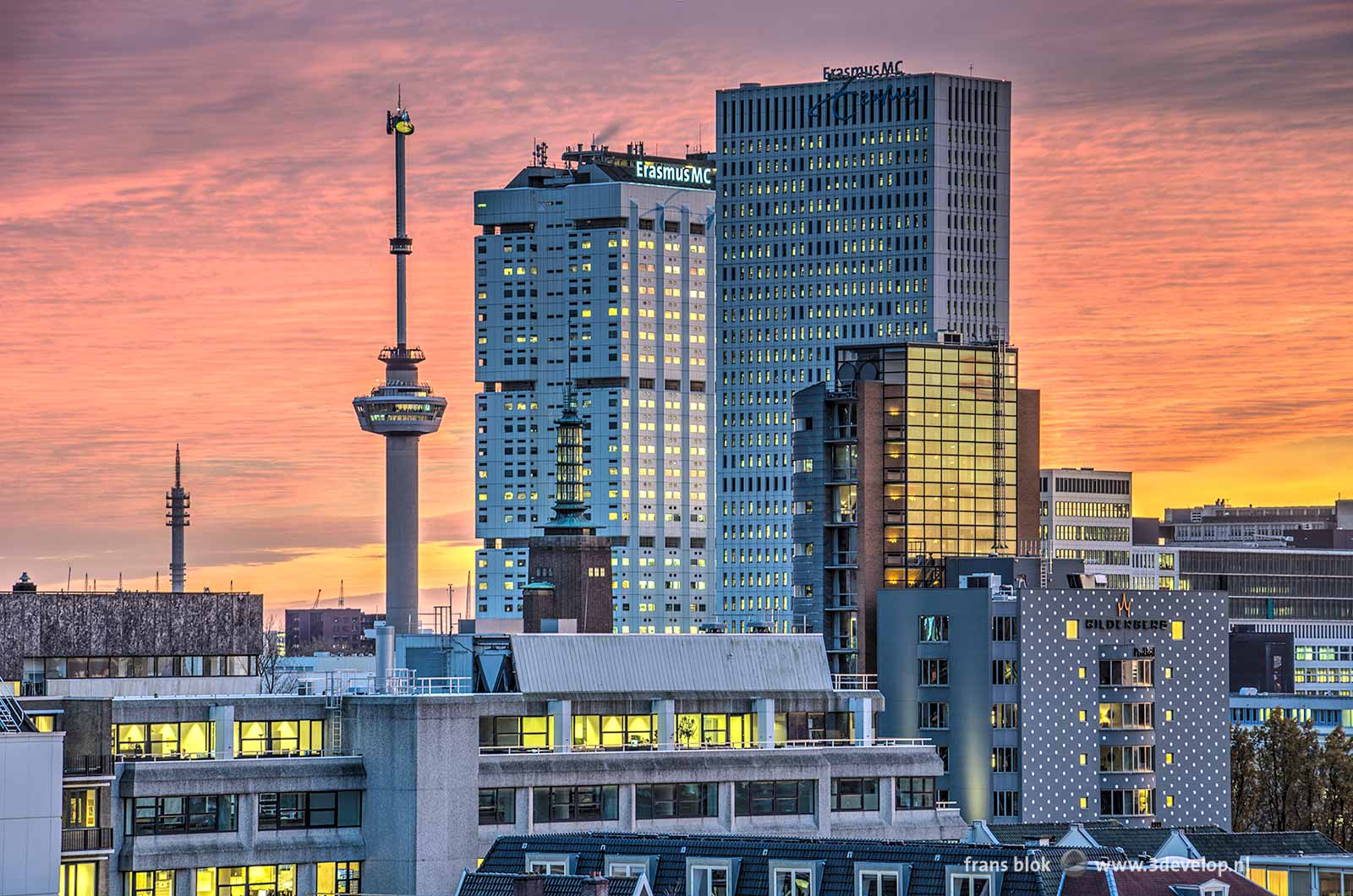 A spectacular sky during a sunset above Rotterdam, featuring Euromast, Parkhotel, Boymans museum and Erasmus MC