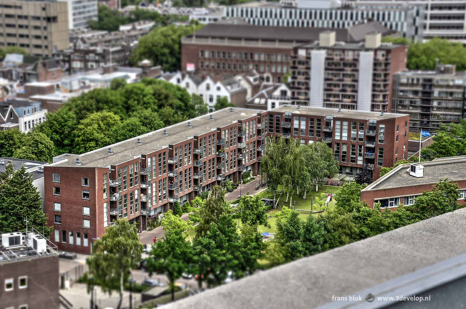 The Miniworld or Madurodam effect on a photo of Zuster Hennekeplein in Rotterdam