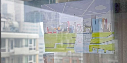 Image of the Rotterdam Skyline on exhibition in the Lijnbaan Gallery on 3Develop premises, with in the background the real Rotterdam Skyline