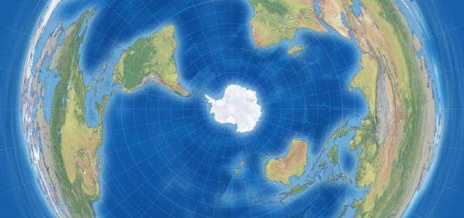 Een wereldkaart volgens de Antarctische of Pinguïnprojectie, met de zuidpool in het midden en met naar het noorden toe steeds grotere vervormingen.