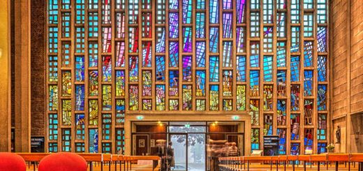 Stained glass windows in the front facade of Steiger Church in Rotterdam during Open Monuments Day