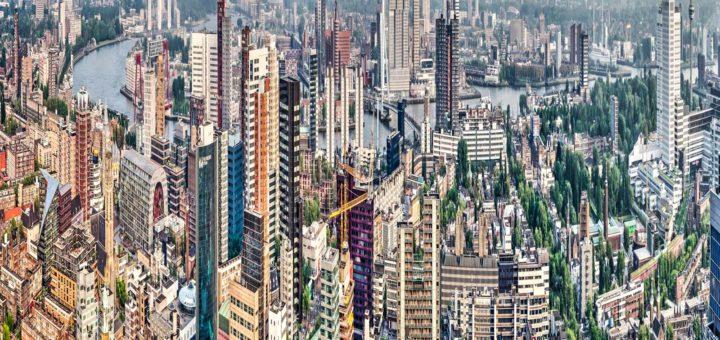 Panorama van de binnenstad van Rotterdam, uitgerekt in verticale richting, wat een Hong Kong-achtig beeld oplevert