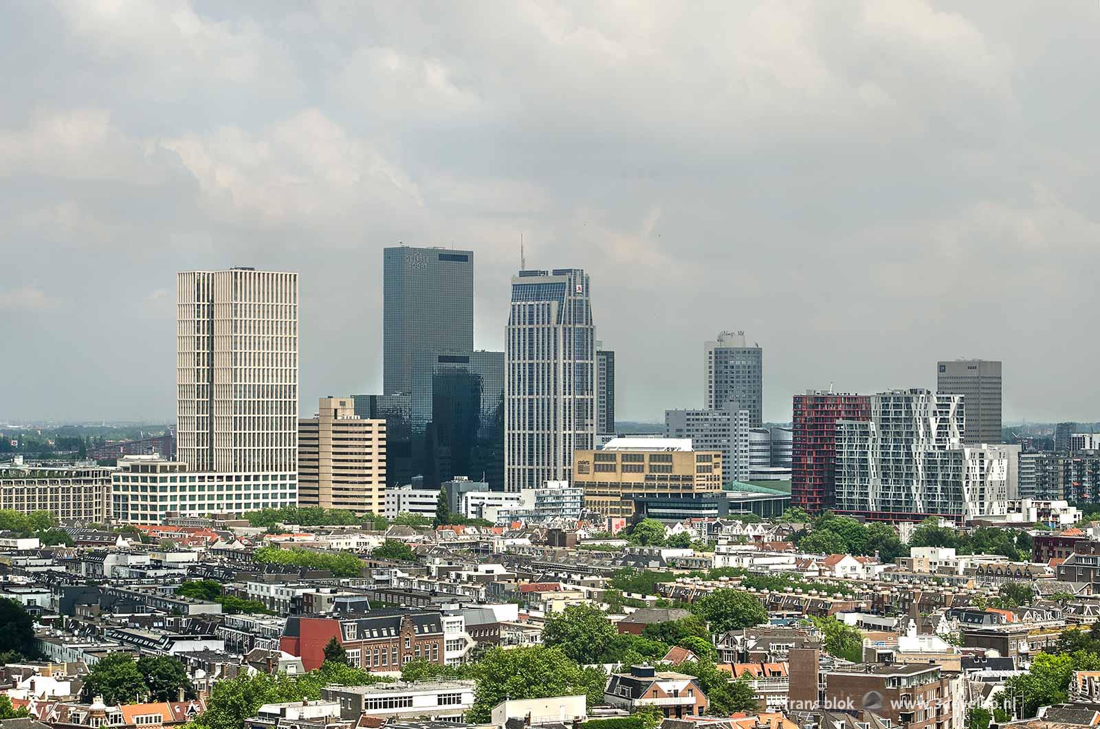 Uitzicht over het Oude Westen en de skyline van Rotterdam vanaf de voormalige GEB-toren tijdens de Rotterdamse Dakendagen 2018
