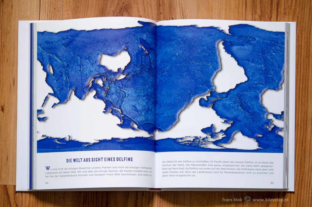 De wereldkaart vanuit het gezichtspunt van een dolfijn, gepubliceerd in het boek Mad Maps van Simon Kuestenmachter
